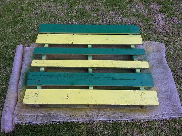 DIY Pallet Garden 2nd Coat