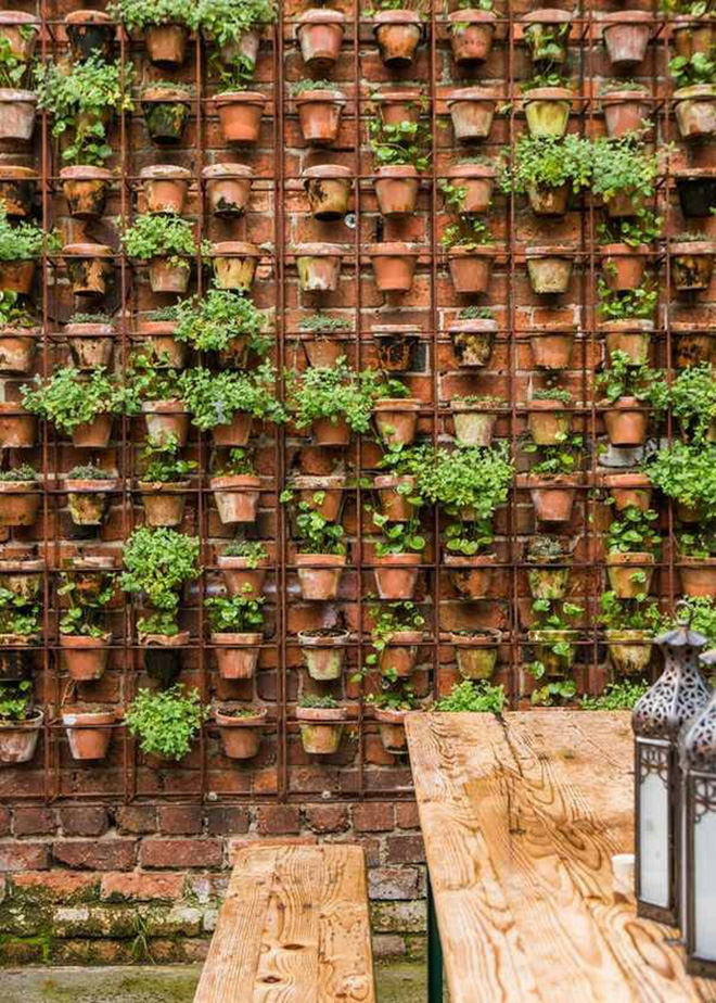 Delightful Vertical Pot Garden