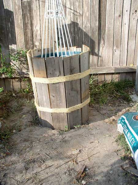 Use Fence Pieces For Container Gardening
