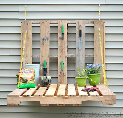 Pull-Down Pallet Potting Bench