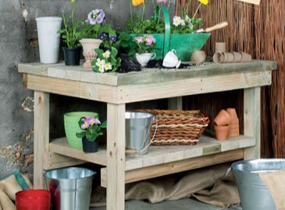 Simple and Sturdy DIY Potting Table