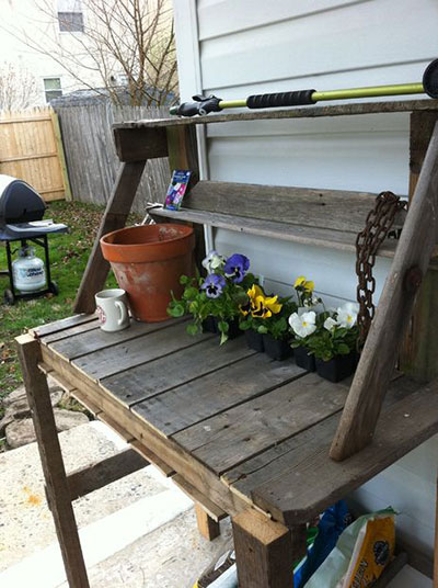 Upcycled Pallet Potting Bench