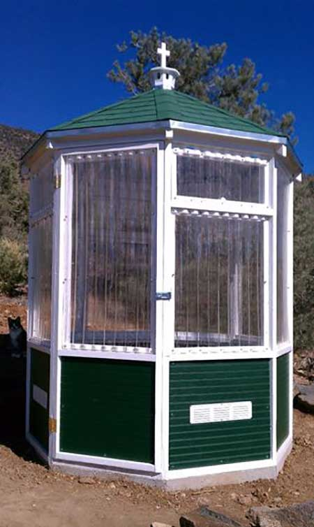 DIY Octagonal Greenhouse