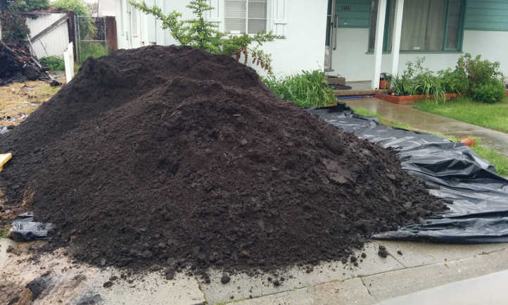 8 Cubic Yards Of Soil