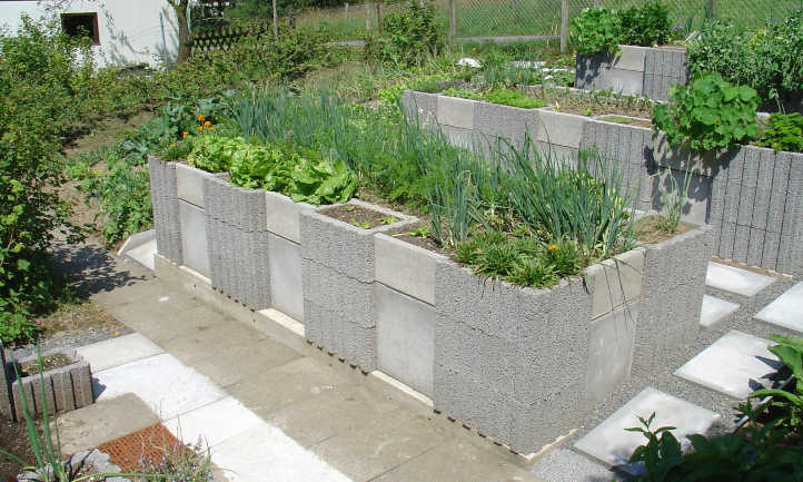 Raised bed on concrete