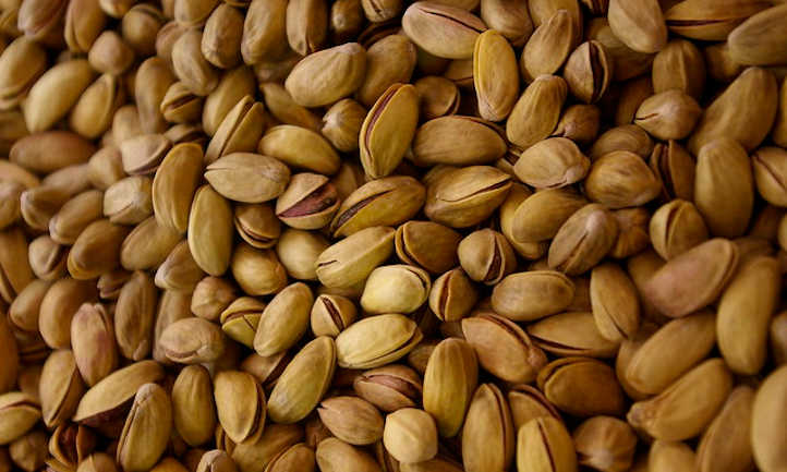 Hulled and dried pistachios
